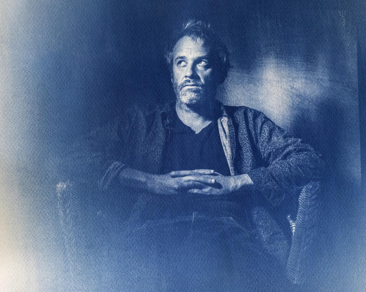 Portrait of Emmanuel Piton, Film Director, Cabinet photographique de Maurepas, Rennes, FRANCE, Septembre 22 2020. Portrait d Emmanuel Piton, Realisateur, Cabinet photographique de Maurepas, Rennes, FRANCE, september 22 2020.