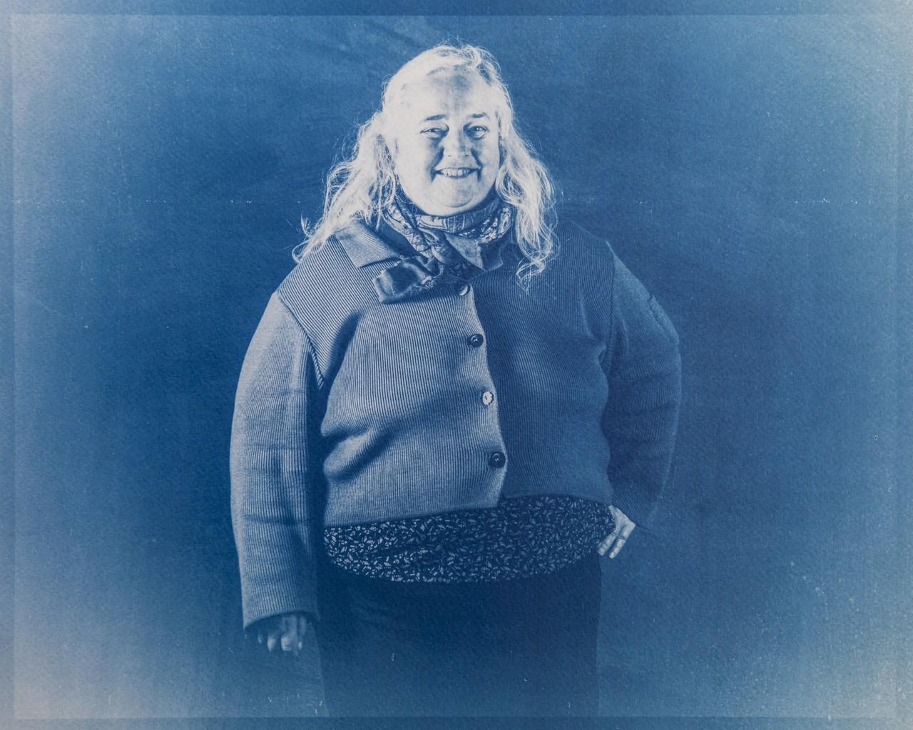 Portrait of Mireille Larher, Cabinet photographique de Maurepas, Rennes, FRANCE, December 4 2020.  Portrait de Bernard, Gestionnaire de Site, Archipel Habitat, Cabinet photographique de Maurepas, Rennes, FRANCE, 04/12/2020.